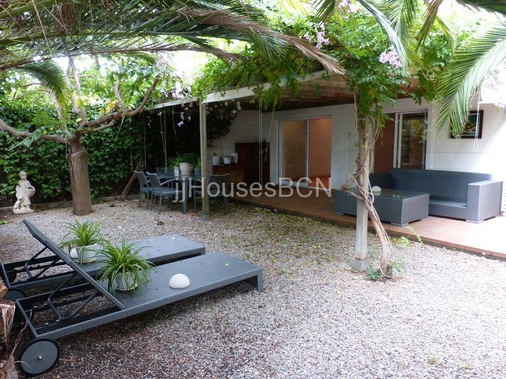 Sitges , zona VINYET,piso con jardin privado