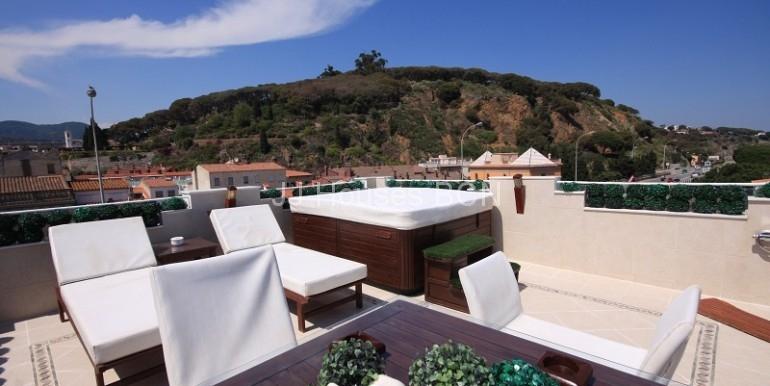 terraza vistas montaña y mar
